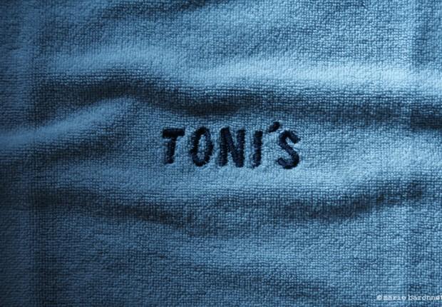 08-toni's-motel-rio-07