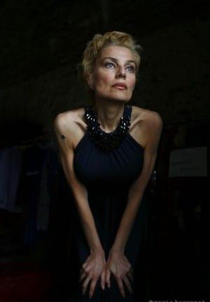 Elli Meideros comédienne chanteuse, tournage de Molloch tropical de Raoul Peck, Haiti 2009